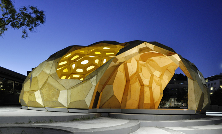 """Bionični leseni paviljon """"morski ježek"""""""